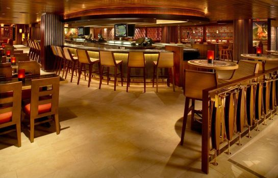 Hotel bar Hilton Grand Vacations at Hilton Hawaiian Village