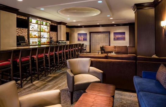 Bar del hotel DoubleTree by Hilton Jacksonville Riverfront