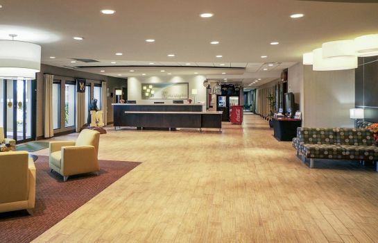 Hotelhalle DoubleTree by Hilton Ann Arbor North