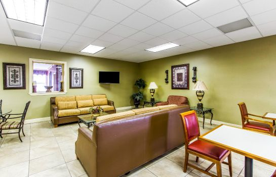 Hall Quality Inn Opelika