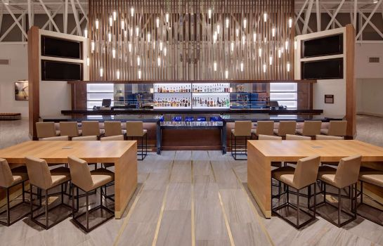 Hotel-Bar Nashville Airport Hotel