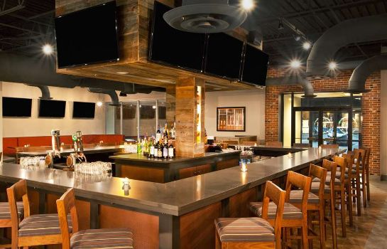 Hotel-Bar Four Points by Sheraton Cleveland Airport