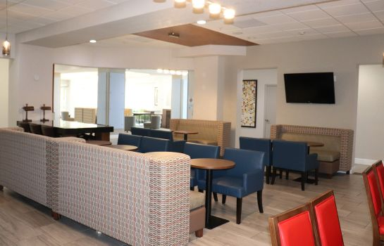 Restaurant Holiday Inn Express & Suites CLEARWATER/US 19 N