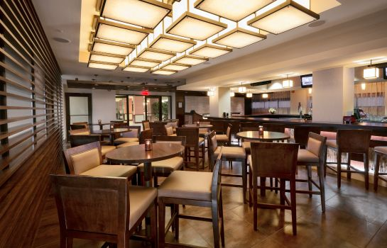 Hotel-Bar Crowne Plaza WILMINGTON NORTH