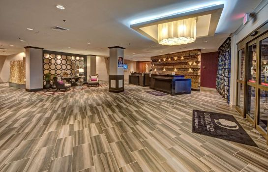 Lobby DoubleTree by Hilton Decatur Riverfront