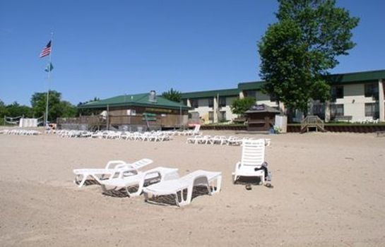 Buitenaanzicht Tawas Bay Beach Resort