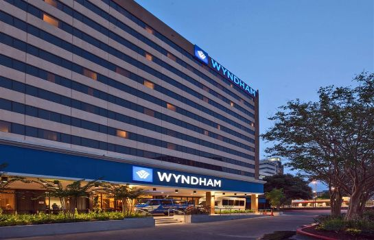 Exterior view Wyndham Houston - Medical Center Hotel and Suites