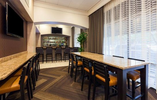 Hotel bar Wyndham Houston - Medical Center Hotel and Suites