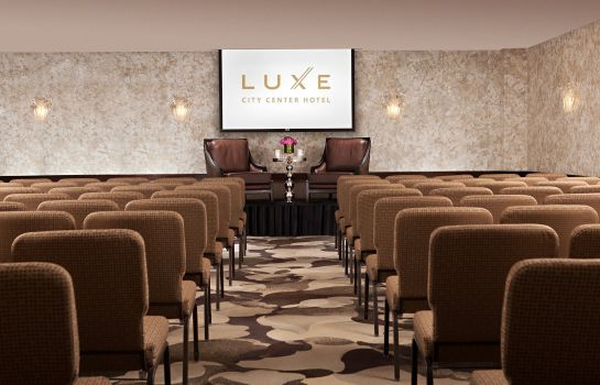Conference room Luxe City Center Hotel