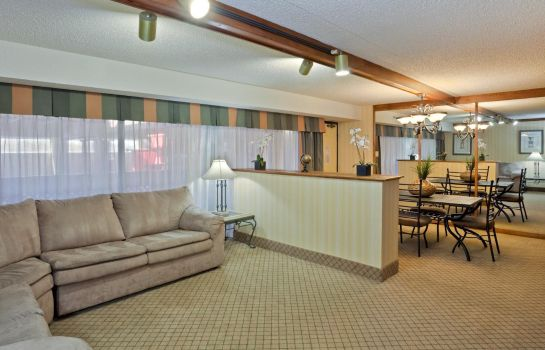 Suite DoubleTree by Hilton Lawrence