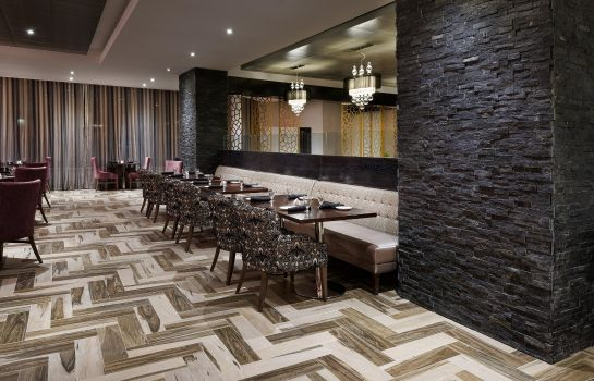 Restaurant DoubleTree by Hilton Orlando East-UCF Area