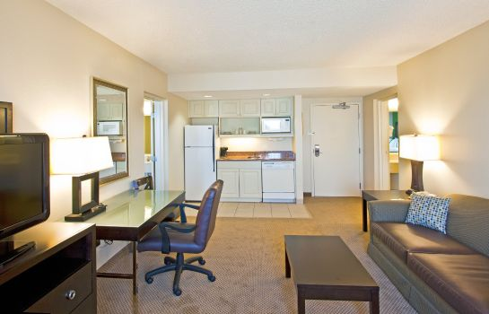 Suite Holiday Inn & Suites ACROSS FROM UNIVERSAL ORLANDO