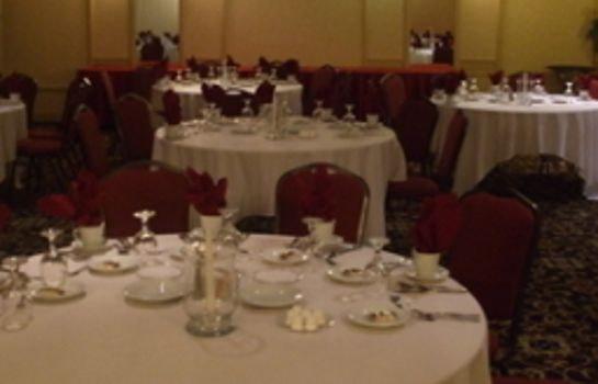 Sala de reuniones Clarion Hotel and Conference Center Harrisburg West