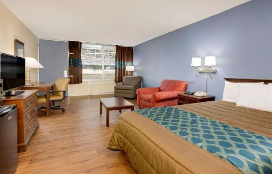Zimmer DAYS INN MONTGOMERY NEAR AUM