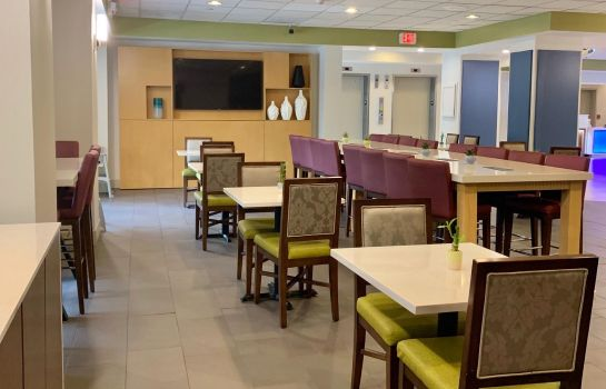 Lobby Holiday Inn Express & Suites MIAMI - HIALEAH