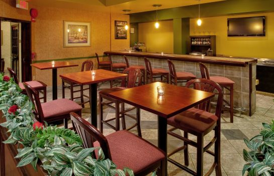 Hotel bar Best Western Plus Philadelphia Bensalem Hotel