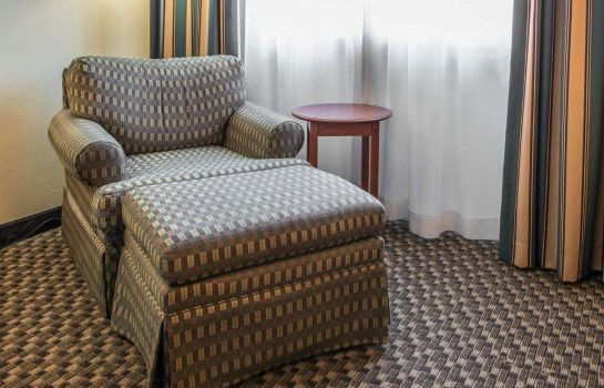 Zimmer MainStay Suites Pittsburgh