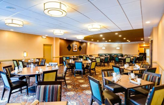 Restaurant DoubleTree by Hilton Raleigh - Brownstone - University