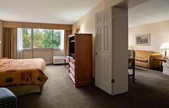 Suite DAYS INN - SIDNEY