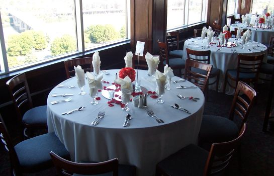 Restaurant Holiday Inn ROSSLYN @ KEY BRIDGE