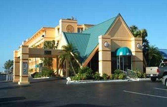 Exterior view Howard Johnson St Petersburg Beach Resort