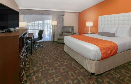Suite HOWARD JOHNSON OKLAHOMA CITY