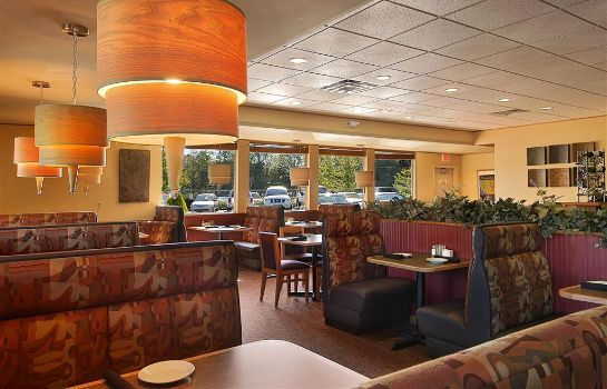 Restaurant RED LION PORTLAND AIRPORT