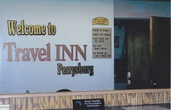 Lobby TRAVEL INN PERRYSBURG