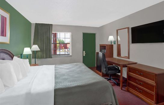 Zimmer HOWARD JOHNSON INN FT MYERS FL