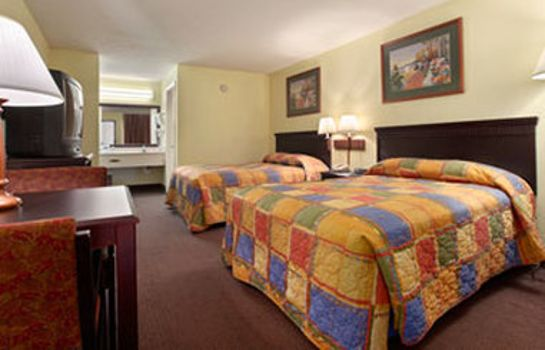 Zimmer Clarion Inn and Suites