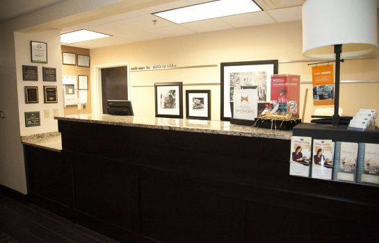 Hotelhalle Hampton Inn - Suites Alpharetta-Windward