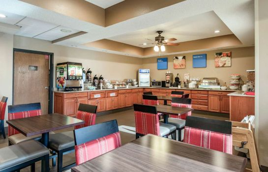 Restaurant Comfort Inn Wings Stadium Comfort Inn Wings Stadium