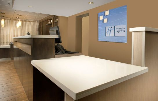 Hotelhalle Holiday Inn Express BOSTON NORTH-WOBURN