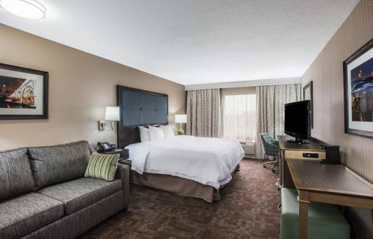 Suite Hampton Inn Cleveland-Airport-Tiedeman Rd