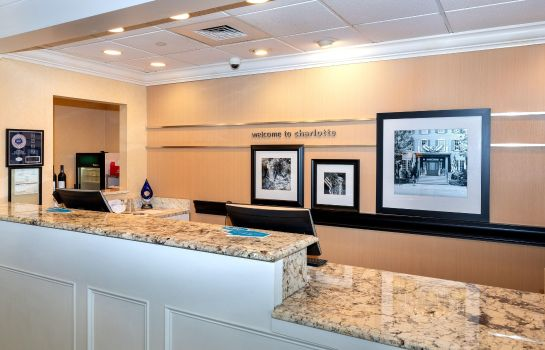Hotelhalle Hampton Inn - Suites-Charlotte-SouthPark at Phillips Place