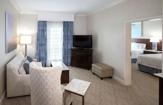 Zimmer Hampton Inn - Suites-Charlotte-SouthPark at Phillips Place