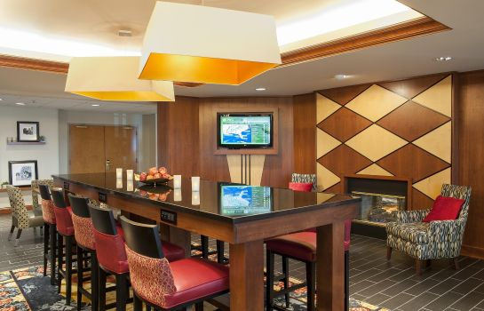 Hotel bar Hampton Inn Columbus-Taylorsville