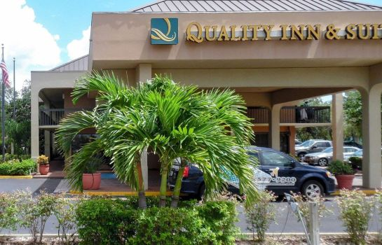 Buitenaanzicht Quality Inn and Suites St. Petersburg -
