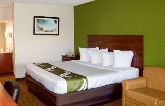 Suite Quality Inn and Suites St. Petersburg -