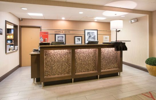 Lobby Hampton Inn Denver-Intl Airport