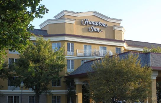 Exterior view Hampton Inn Holland