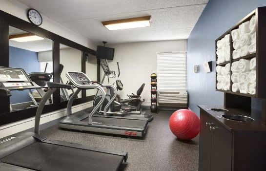 Sporteinrichtungen Jacksonville I-95 South Country Inn & Suites By Carlson
