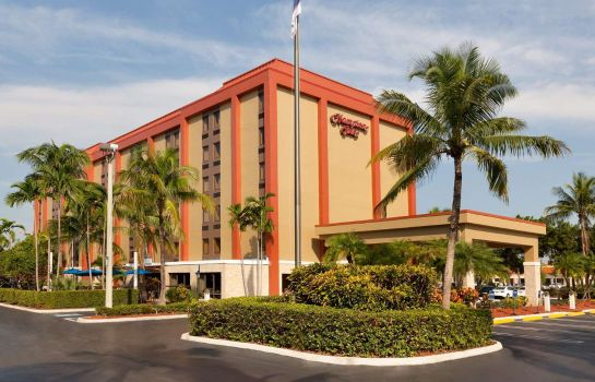Buitenaanzicht Hampton Inn Miami-Airport/West