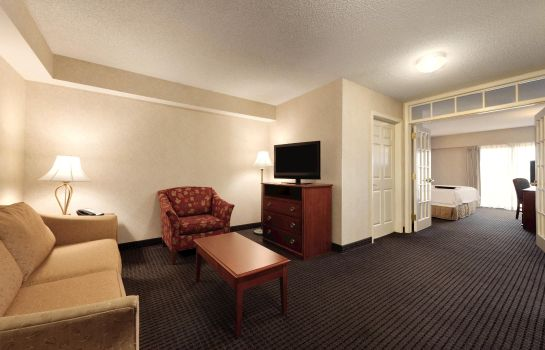 Suite Hampton Inn - Suites-Country Club Plaza