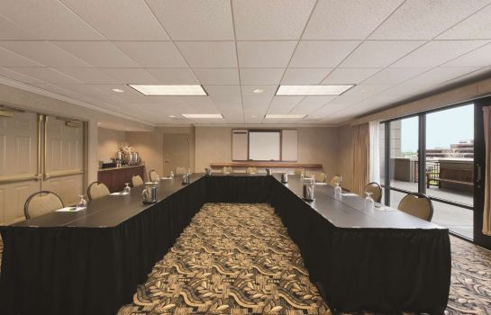 Conference room Hampton Inn - Suites-Country Club Plaza