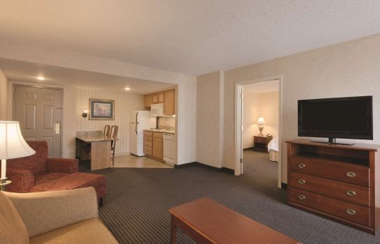 Pokój Hampton Inn - Suites-Country Club Plaza