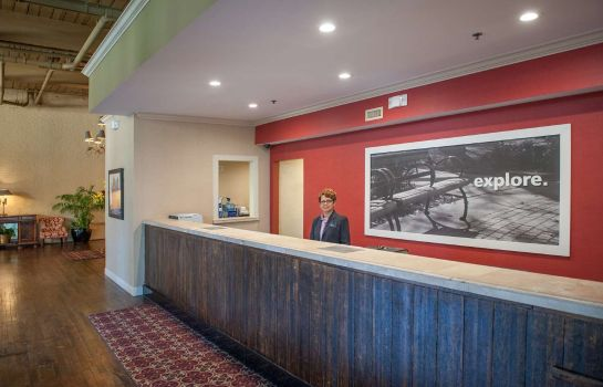 Lobby Hampton Inn & Suites New Orleans Convention Cent