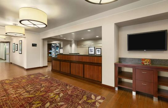 Hall de l'hôtel Hampton Inn Portland Airport