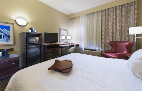 Room Hampton Inn - Suites Pensacola I-10 N at Univ Twn Plaza FL