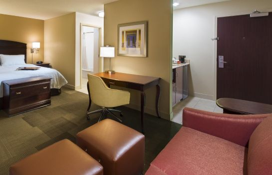 Zimmer Hampton Inn - Suites Pensacola I-10 N at Univ Twn Plaza FL
